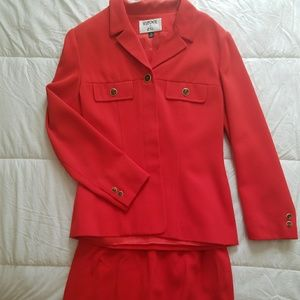 Kasper women's two-piece skirt suit